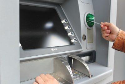 Что делать, если банкомат не выдал деньги или не зачислил их на счет?