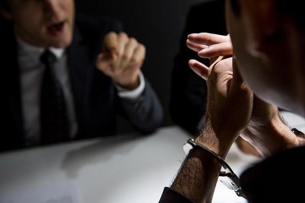 как вестия себя на допросе