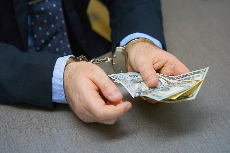 получение взятки или договор займа
