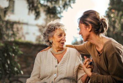 Алименты на родителей — основания и порядок выплаты
